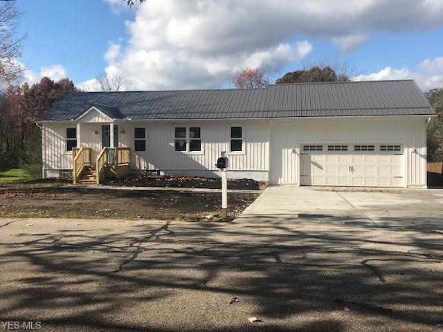 6172 Stone Rd, Hudson, OH 44236 (MLS #4053157) :: RE/MAX Valley Real Estate