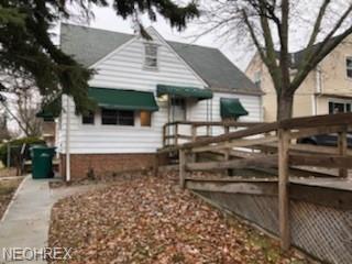 19201 Raymond St, Maple Heights, OH 44137 (MLS #4055058) :: The Crockett Team, Howard Hanna