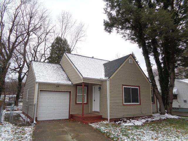 848 Shoshone Ave, Akron, OH 44305 (MLS #4057006) :: RE/MAX Edge Realty