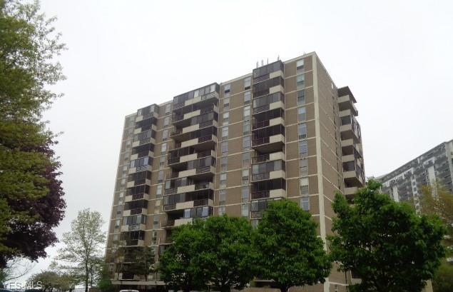 25801 Lake Shore Boulevard #42, Euclid, OH 44132 (MLS #4076524) :: RE/MAX Edge Realty