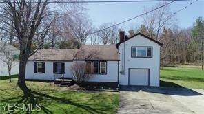 17039 Headland Avenue, Lake Milton, OH 44429 (MLS #4114998) :: The Crockett Team, Howard Hanna