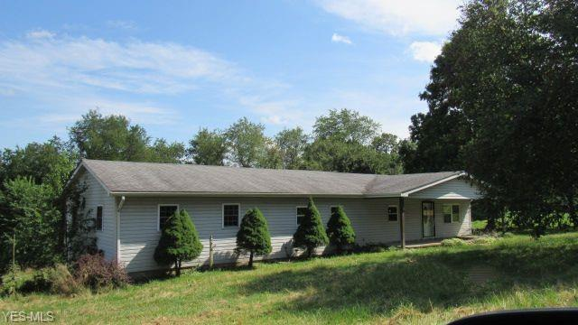 83 Carroll Street, Weirton, WV 26062 (MLS #4115908) :: RE/MAX Edge Realty