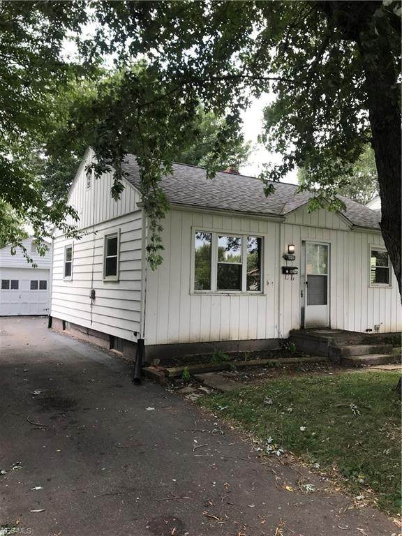 2957 Fletcher Avenue NE, Canton, OH 44705 (MLS #4173936) :: RE/MAX Trends Realty