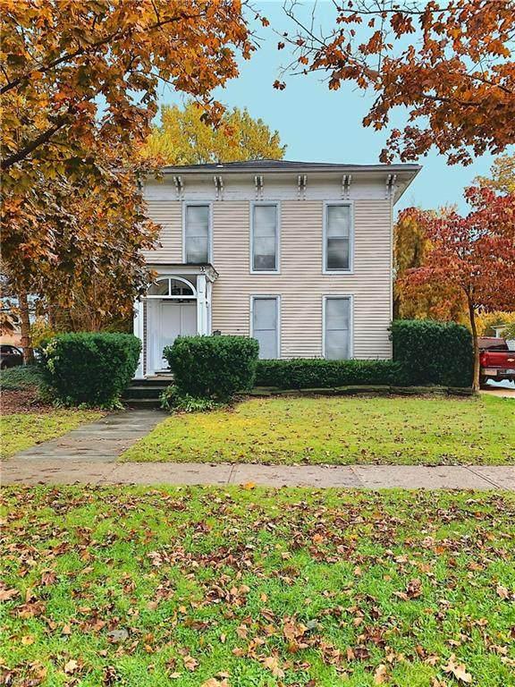 196 Beech Street, Berea, OH 44017 (MLS #4199829) :: Tammy Grogan and Associates at Cutler Real Estate