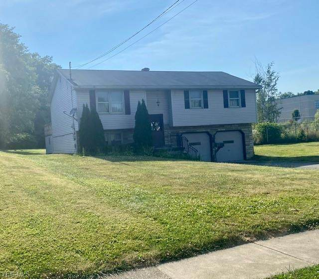2506 S Schenley Avenue, Youngstown, OH 44511 (MLS #4203067) :: The Holden Agency