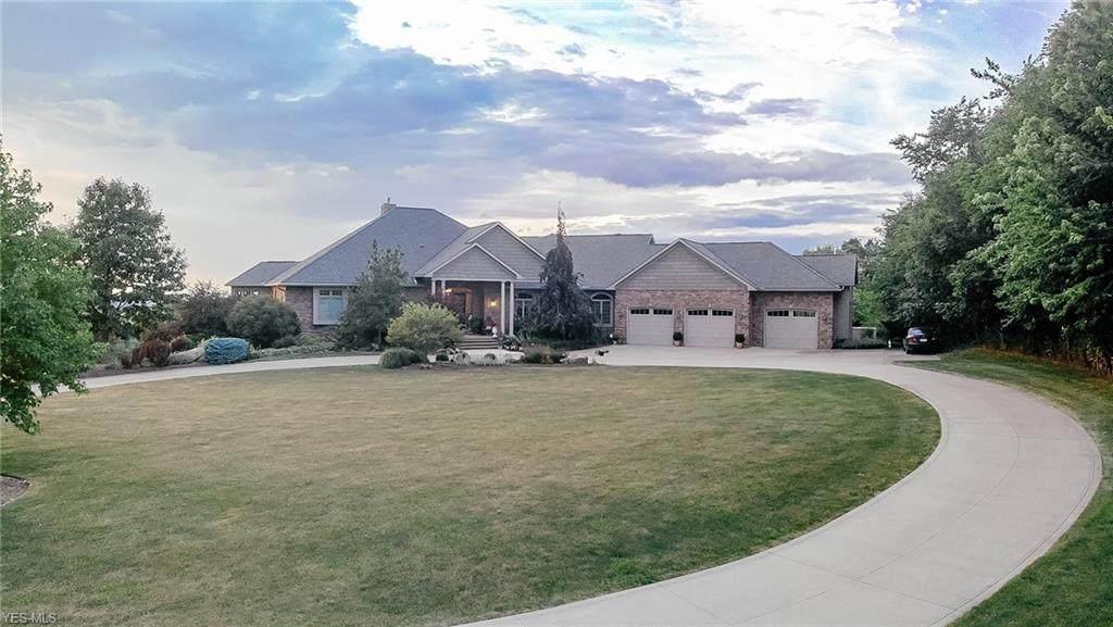 7665 Township Road 334 - Photo 1