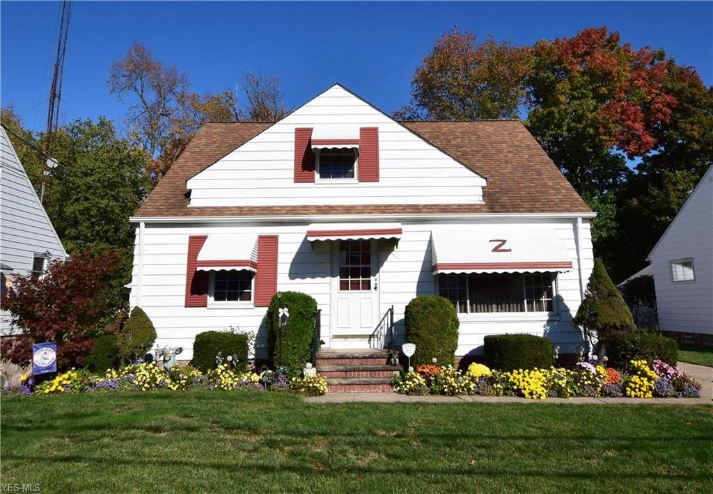 2263 Larchmont Drive - Photo 1