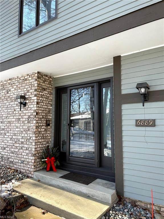 6889 Woodwalk Drive #46, Brecksville, OH 44141 (MLS #4264227) :: The Holden Agency