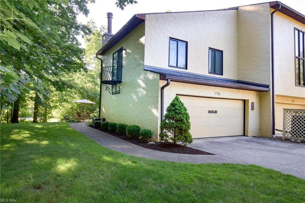 796 Hampton Ridge Drive - Photo 1