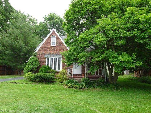 6545 Olde York Road, Parma Heights, OH 44130 (MLS #4289624) :: RE/MAX Trends Realty
