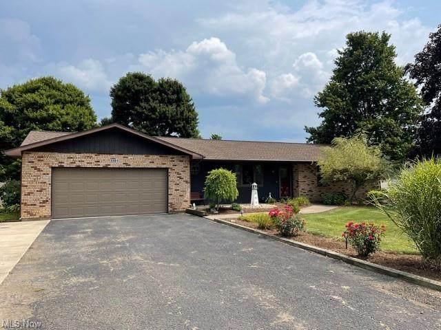 6901 Winfield Strasburg Road NW, Strasburg, OH 44680 (MLS #4303257) :: The Holden Agency