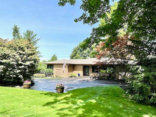 4775 Som Center Road, Moreland Hills, OH 44022 (MLS #4308468) :: Simply Better Realty