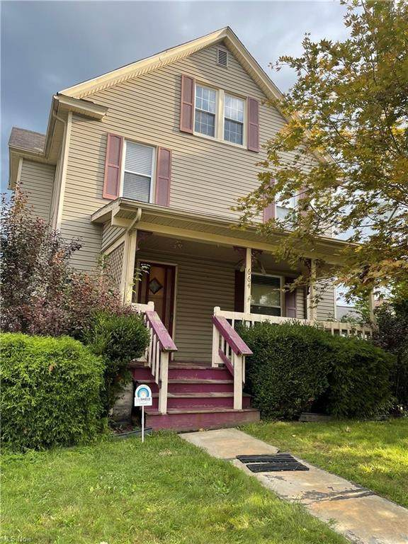 664 E 4th Street, Salem, OH 44460 (MLS #4314708) :: Keller Williams Chervenic Realty