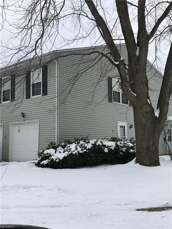 7961 Independence Dr, Mentor, OH 44060 (MLS #3970934) :: Keller Williams Chervenic Realty