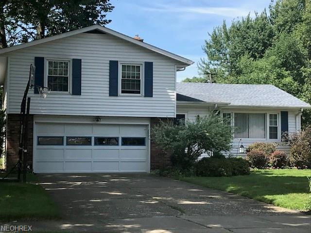 3392 Woodview Dr, North Olmsted, OH 44070 (MLS #3987096) :: The Crockett Team, Howard Hanna