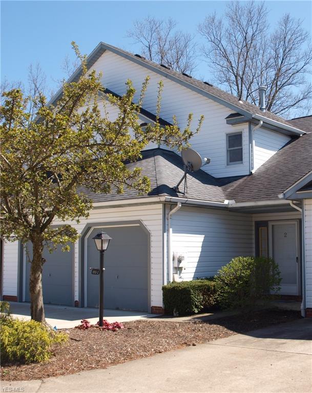 850-2 Hampton Cir, Aurora, OH 44202 (MLS #4071383) :: RE/MAX Valley Real Estate