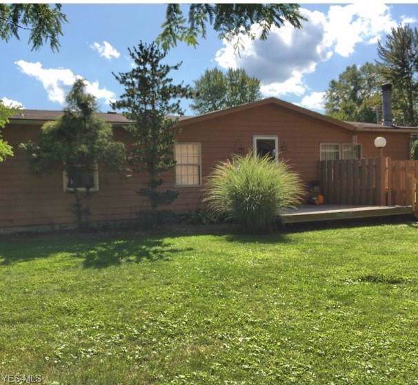 3752 N Park Extension, Warren, OH 44481 (MLS #4136365) :: RE/MAX Valley Real Estate
