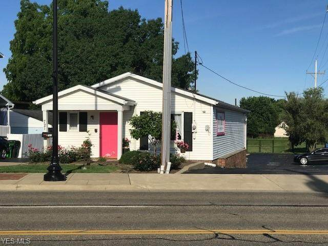 721 N Main Street, North Canton, OH 44720 (MLS #4205309) :: The Holden Agency