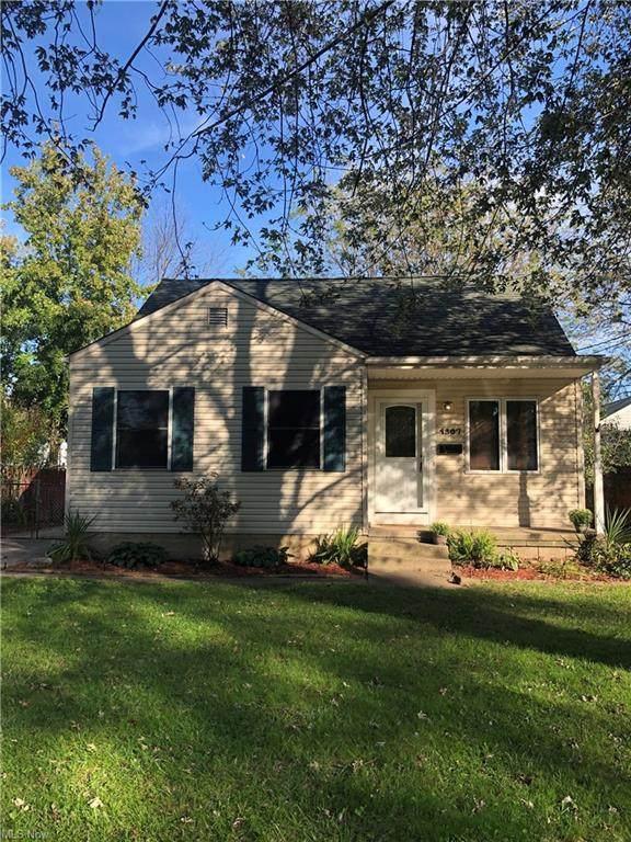 1307 Cedar Drive, Lorain, OH 44052 (MLS #4326512) :: Jackson Realty