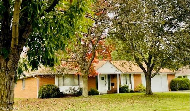 425 Steven Boulevard, Richmond Heights, OH 44143 (MLS #4313365) :: Tammy Grogan and Associates at Keller Williams Chervenic Realty