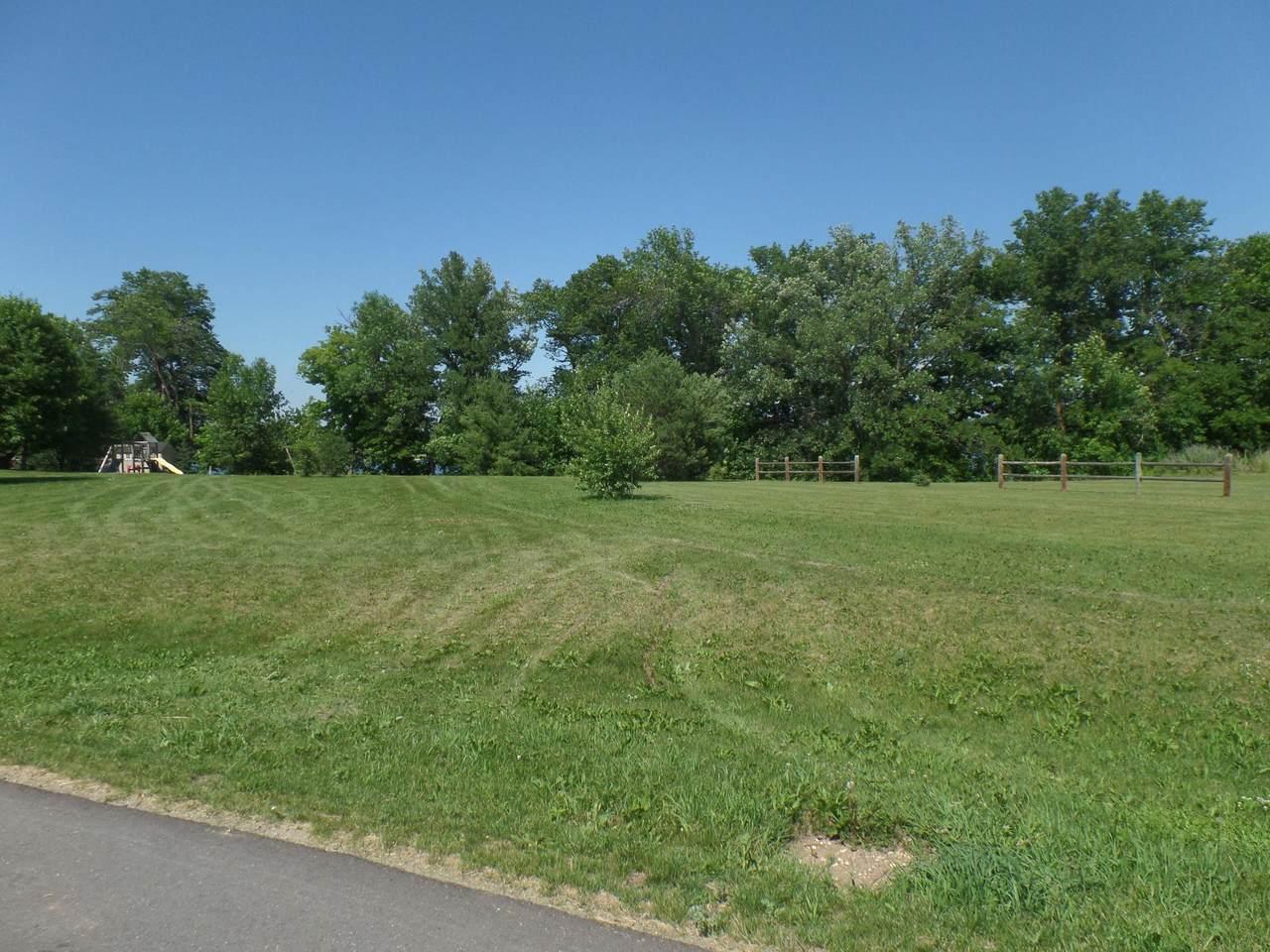 116 Park View Drive - Photo 1