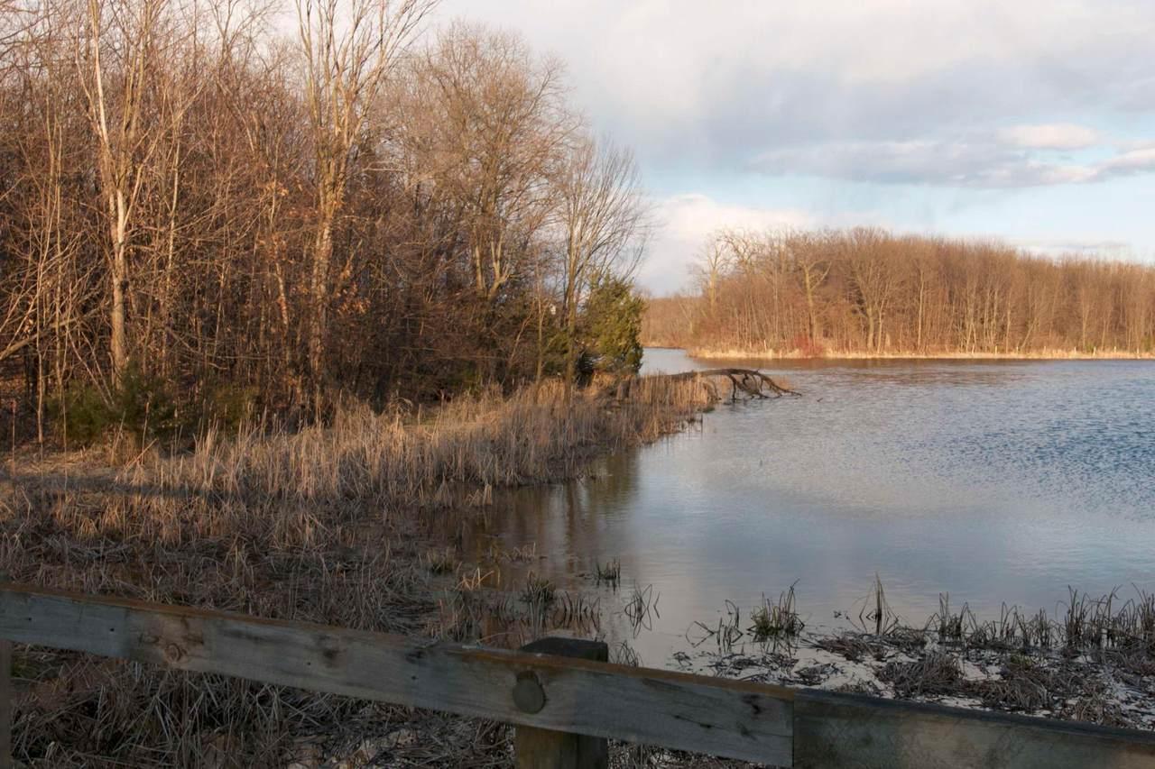 981 Peninsula Point Road - Photo 1