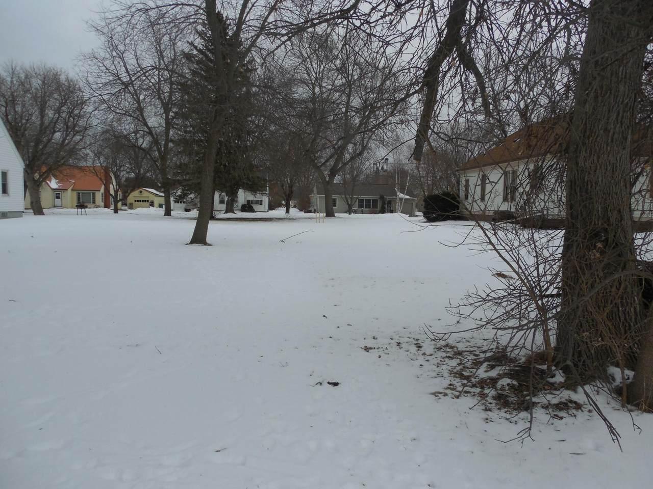 306 Lake Street - Photo 1