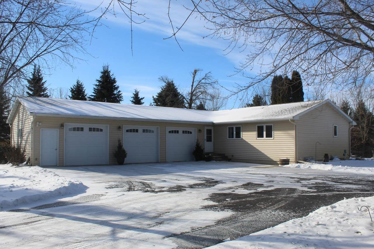 3822 Maple Drive - Photo 1