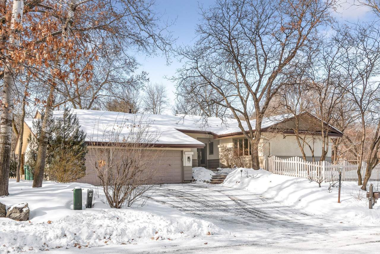 6928 Moccasin Valley Road - Photo 1