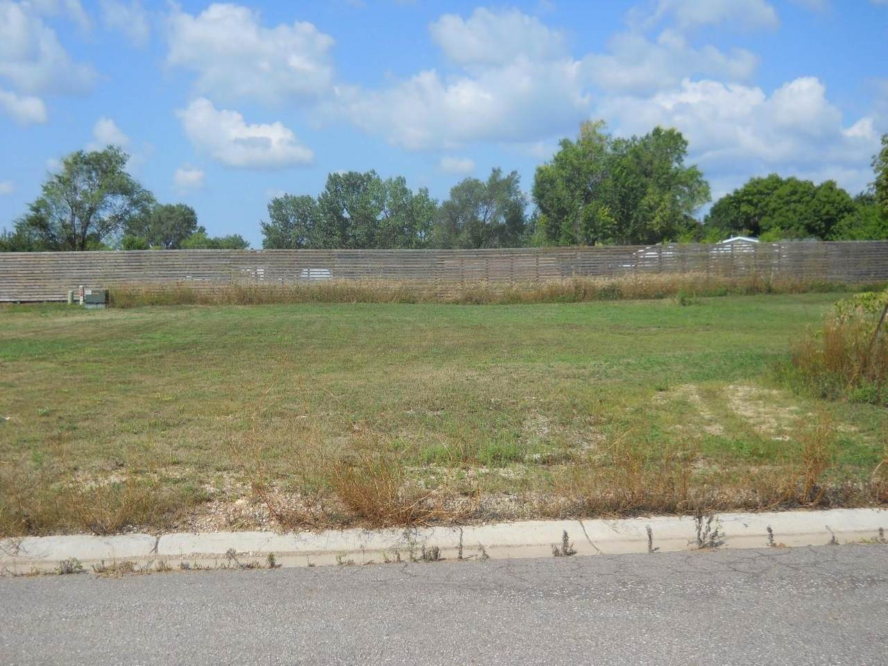 1305 Iowa State Circle - Photo 1