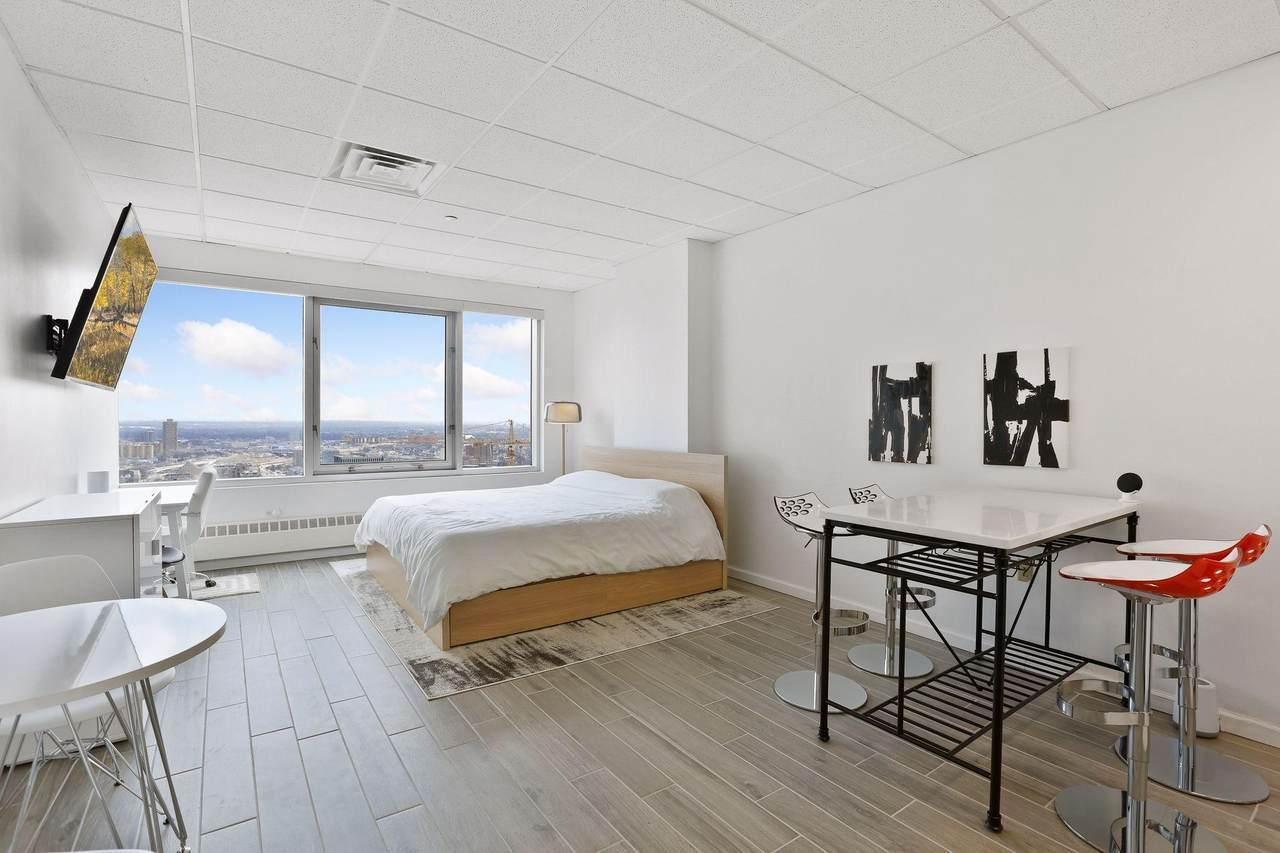 431 7th Street - Photo 1