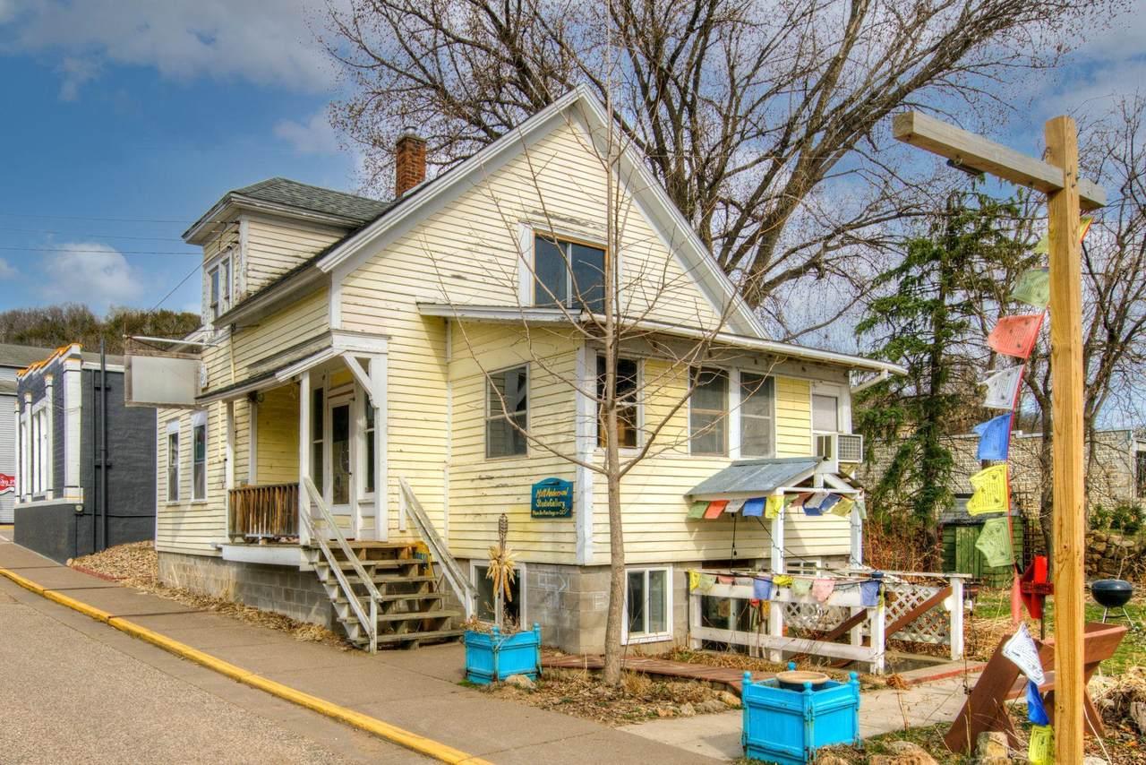 N2020 Spring Street - Photo 1