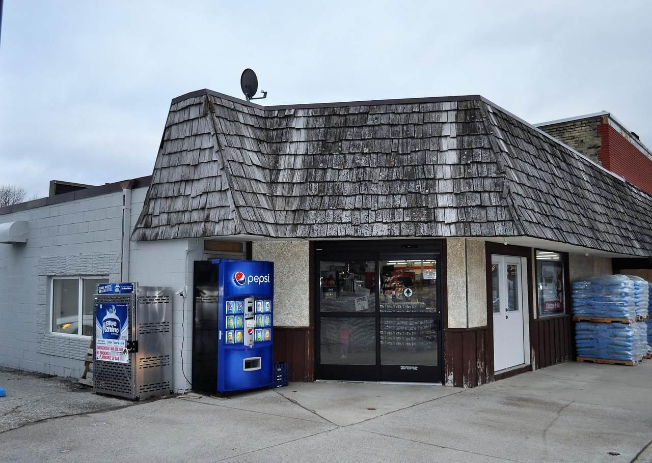 920 10th Street - Photo 1