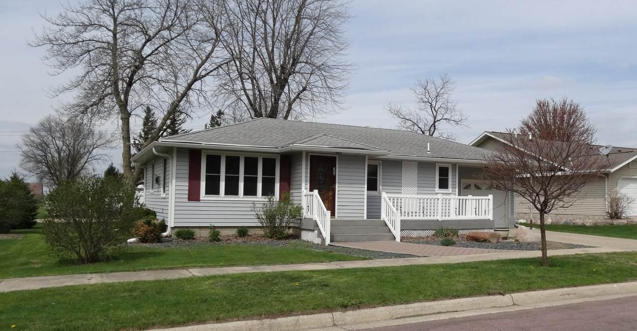 306 Minnesota Street - Photo 1