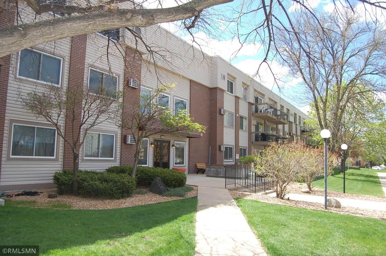 2800 Hillsboro Avenue - Photo 1
