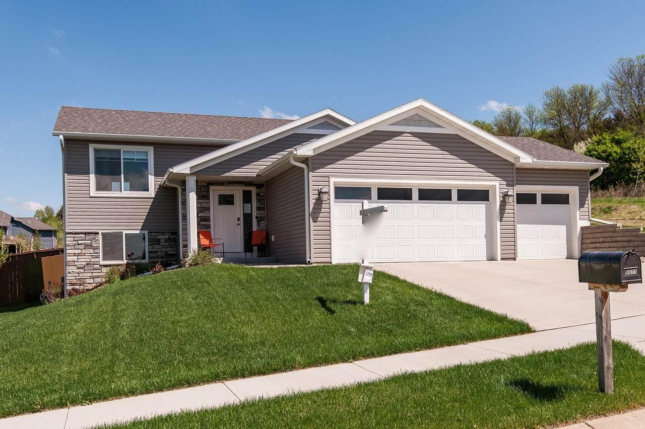 5077 Ridgeview Drive - Photo 1