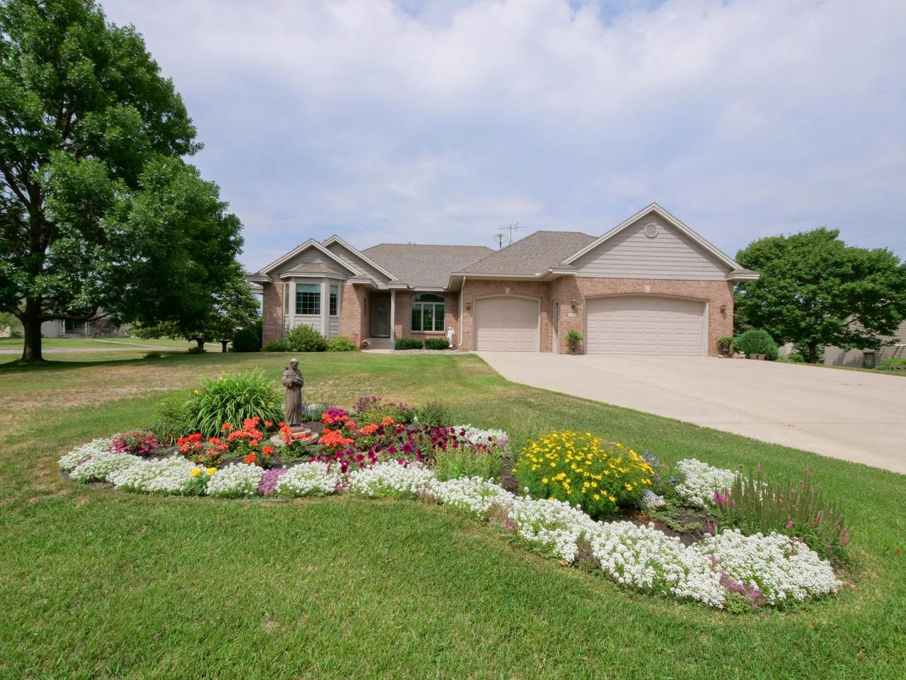 315 Country Club Road - Photo 1