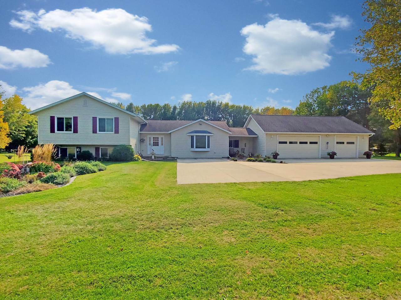 3980 Marion Road - Photo 1