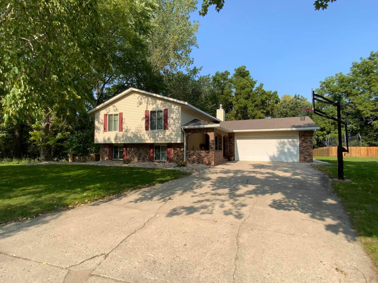 1707 Crestview Drive - Photo 1
