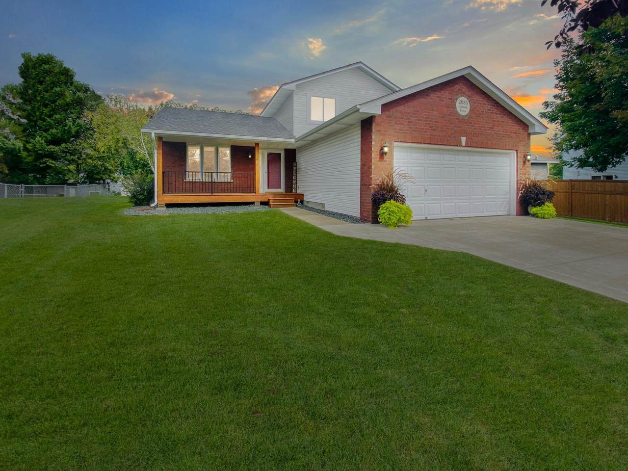 2085 Granite Drive - Photo 1