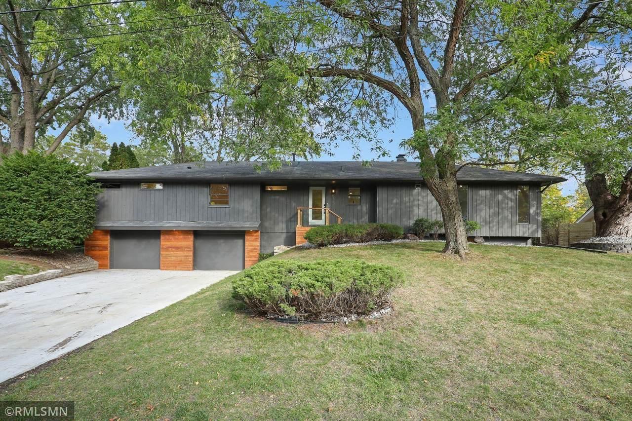 5727 Oakview Lane - Photo 1