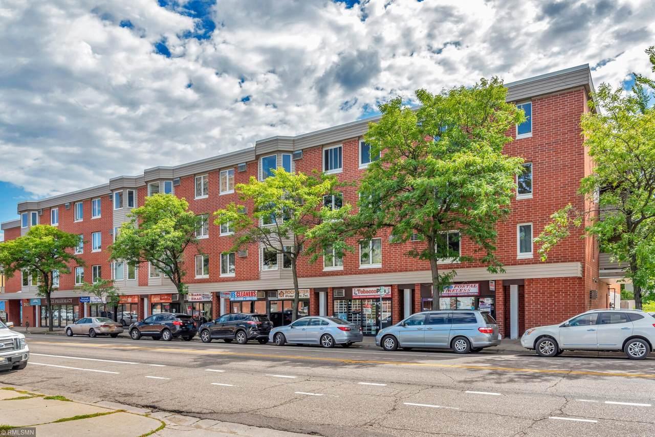 2425 Franklin Avenue - Photo 1