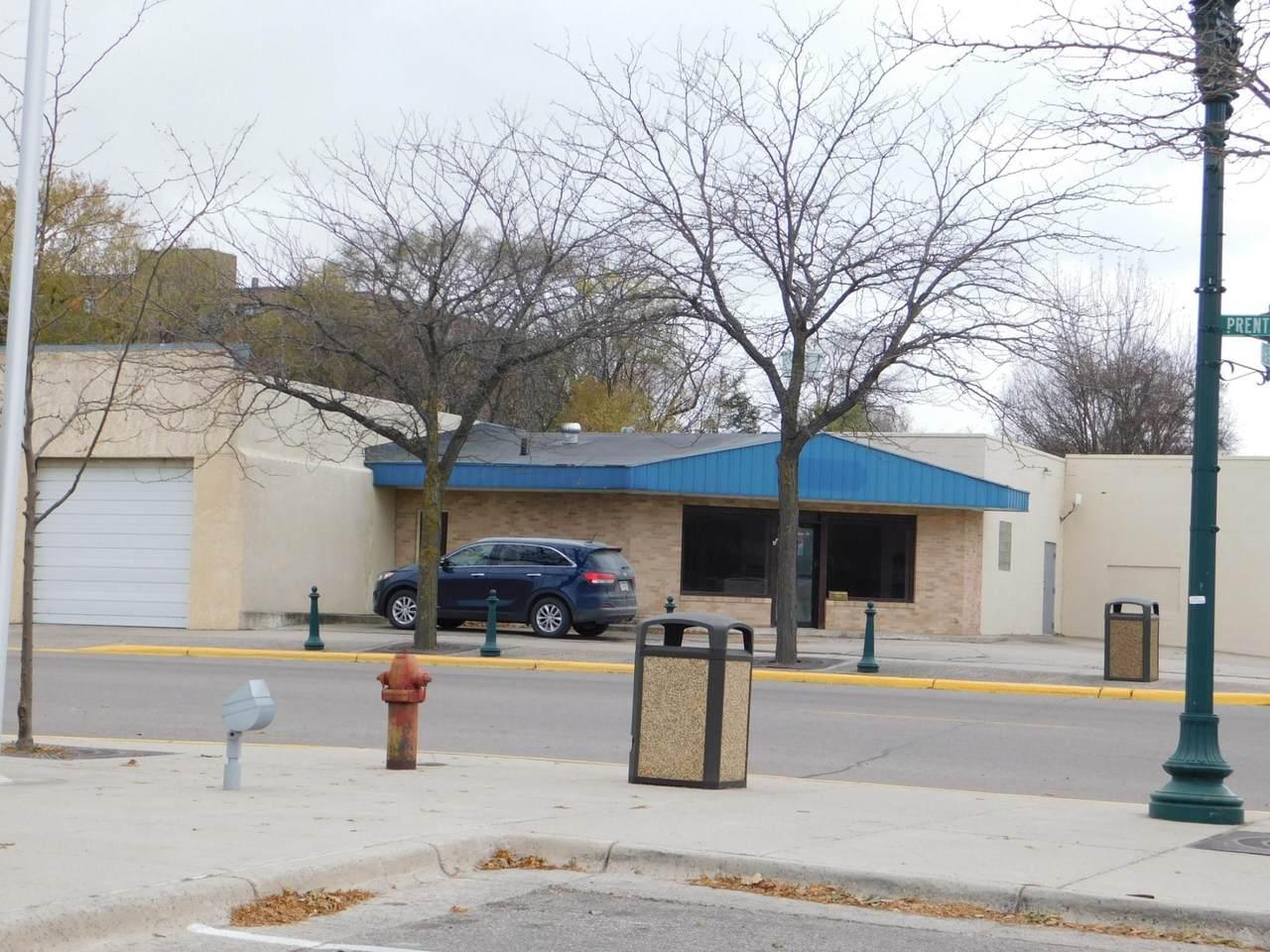 646 Prentice Street - Photo 1