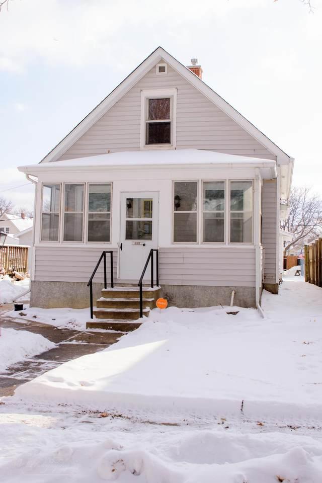 906 Bayard Avenue - Photo 1