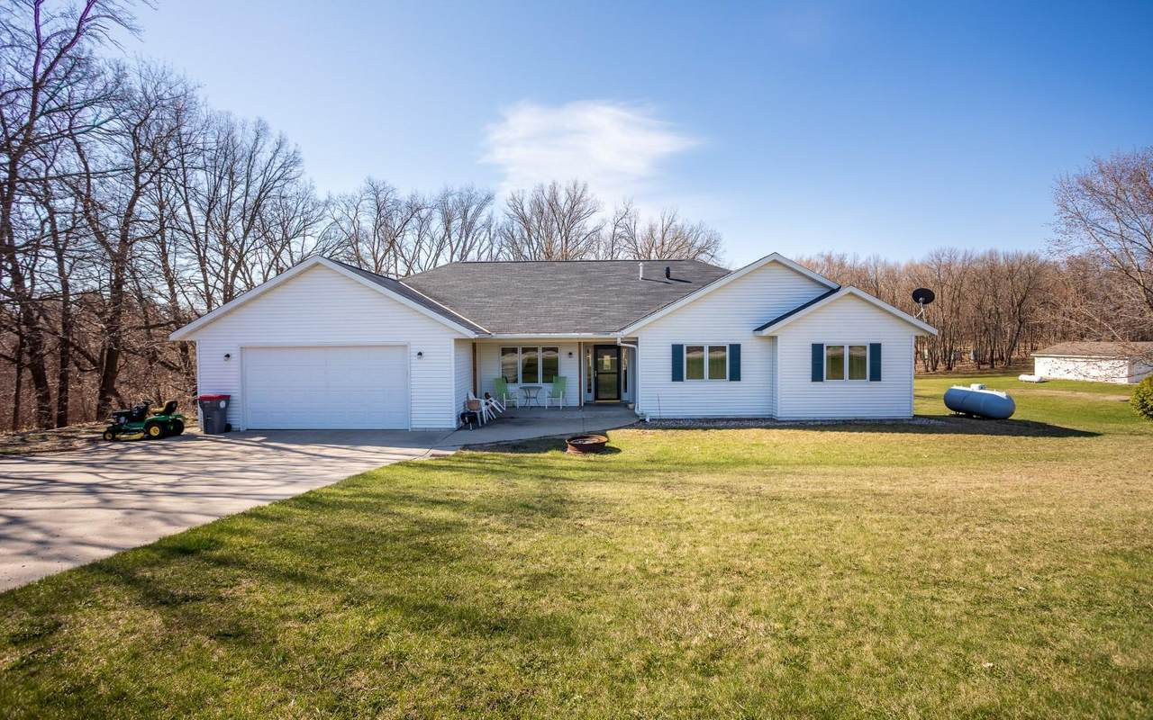 9885 Chippewa Heights - Photo 1