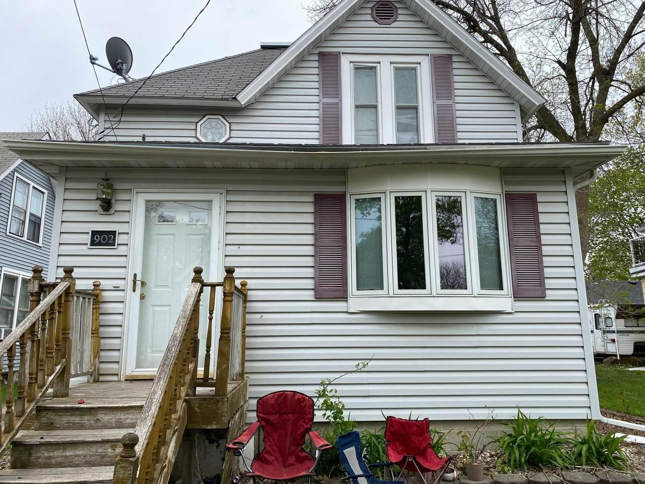 902 Frank Avenue - Photo 1