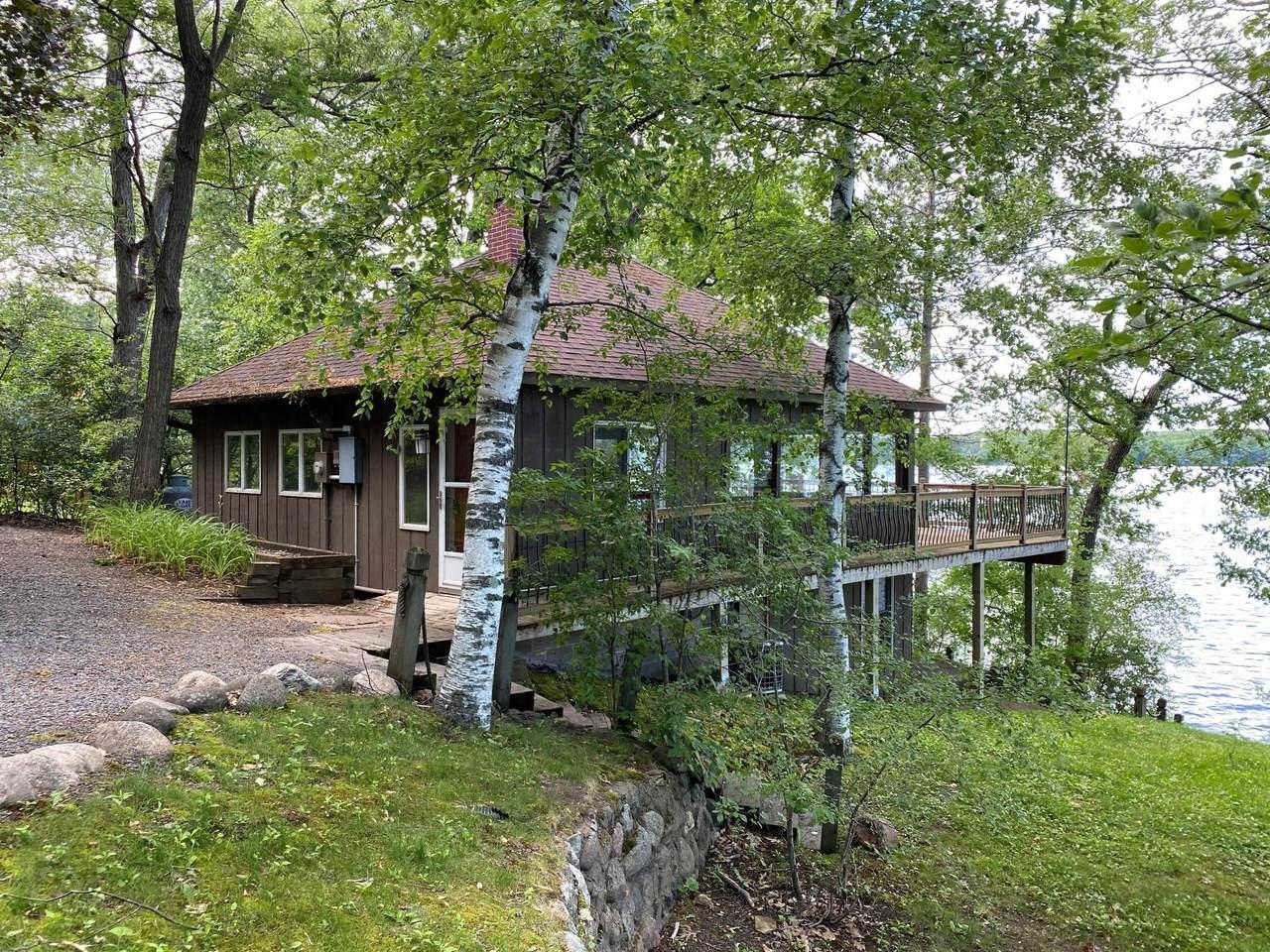 1733 Deer Lake Circle - Photo 1