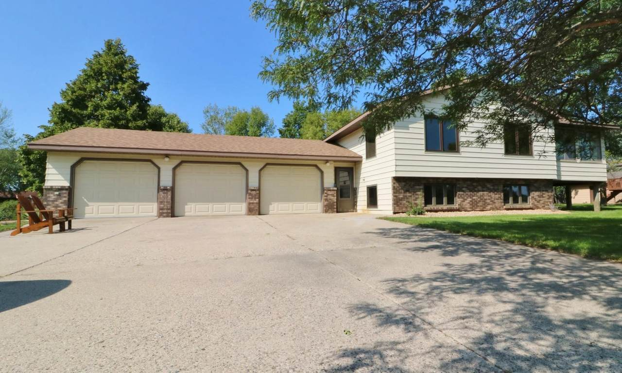 559 Voyager Drive - Photo 1