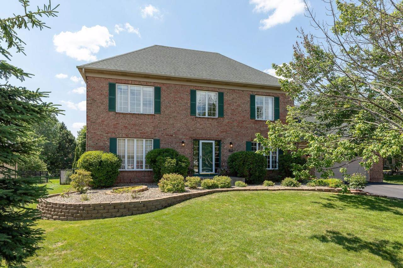 812 Spring Hill Court - Photo 1