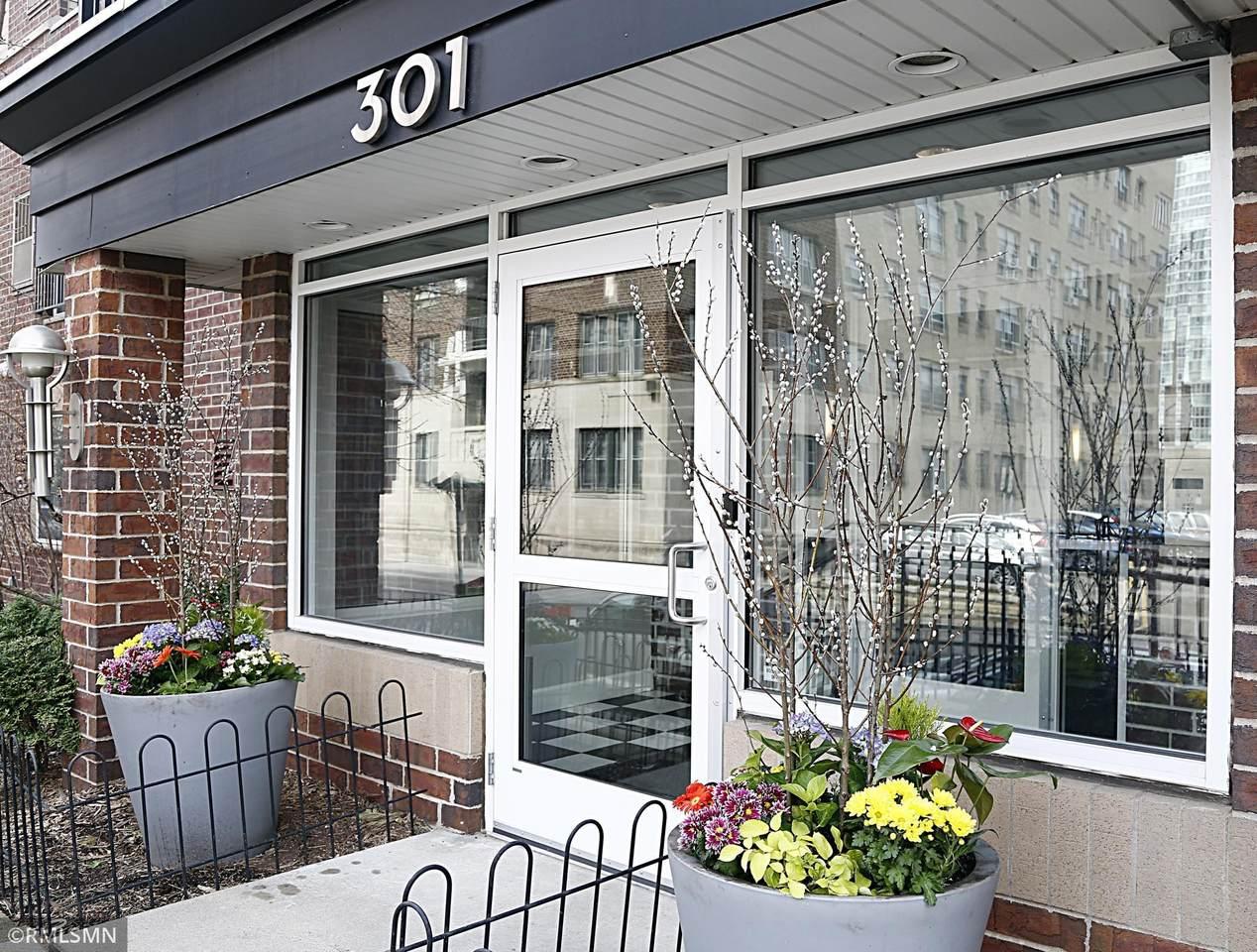 301 Oak Grove Street - Photo 1